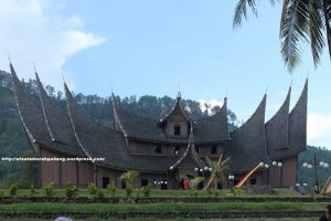 Istana Pagarujyung